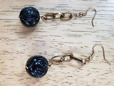 """BLACK ROSES /GOLD CHAINED PIERCED TEAR DROPS 5/8"""" ROSE BUD GORGEOUS  !! ( NEW )"""