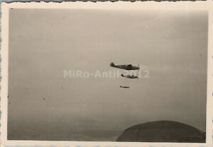 Foto, Messerschmitt Bf 109 Staffel auf Feindflug (N)50256