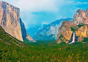 Yosemite Valley, California - 3D Lenticular Postcard Greeting Card