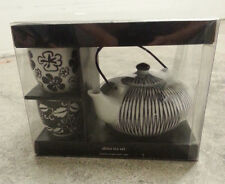 New Beautiful Black and White Akina Tea Set  with 1 Teapot and 4 Cups
