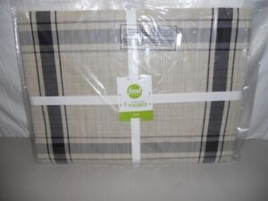 Food Network  Textaline Placemats 14 in x 19 in NIP Farmhouse stripe -4 in set