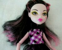 Monster High Raven Queen with outfit & heart on her cheek (or Ever After??) 2008