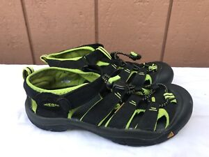 EXCELLENT! KEEN Youth US 5 Black Green Newport H2 Boy Girl Water Shoe Sandals A7