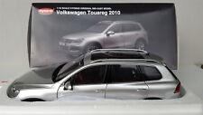 VW Volkswagen Touareg 2010, silber - metallic, Kyosho 1:18, NEU + OVP