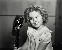 """SHIRLEY TEMPLE IN THE FILM """"POOR LITTLE RICH GIRL"""" 8X10 PUBLICITY PHOTO (DA-029)"""