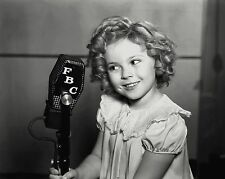 "SHIRLEY TEMPLE IN THE FILM ""POOR LITTLE RICH GIRL"" 8X10 PUBLICITY PHOTO (DA-029)"