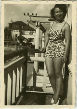 PHOTO ANCIENNE - VINTAGE SNAPSHOT - FEMME MAILLOT DE BAIN PIN UP SEXY - SWIMSUIT
