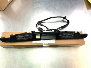 NEW OEM 2015-2019 KIA SORENTO TAILGATE HANDLE MOLDING WITH LICENSE PLATE LAMPS