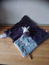 Doudou plat âne cheval bleu blanc guirlande Noukie's Noukies