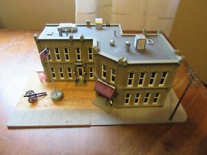 Woodland Scenics BR5030 HO-Scale Municipal Building, City Hall & Police Built-Up