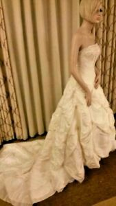 A21 Sz 0 Allure Bridals Beaded Strapless A-Line Dress Formal White Wedding Gown