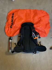Dakine poacher 36 R.A.S. W/ mammut Avalanche airbag and canister