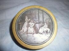 Ancien poudrier boite bijou laiton doré plaque ciselé décor galante 17e