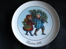 1981 Avon Christmas Memories Plate 1st Ed. Sharing the Christmas Spirit