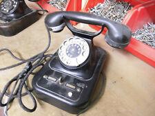 altes Telefon W 28 mit Rückfrageknebel und Erdtaste