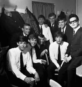 OLD MUSIC PHOTO The Beatles Pose With Roy Orbison And Gerry And The Pacemakers