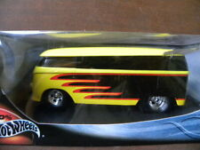 CUSTOMIZED VOLKSWAGEN DRAG BUS           2000 HOT WHEELS     1:18 SCALE DIE-CAST