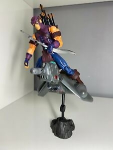 figurine marvel legends hawkeye