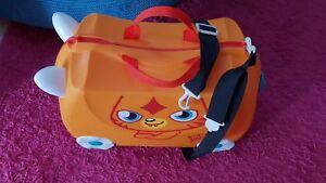 Kids Orange Trunki Suitcase Lagguage pull along Moshi