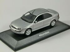 2000 FORD MONDEO Mk3 4dr in Silver 1/43 scale dealer edition model Minichamps