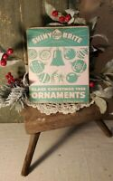 VINTAGE RETRO 1950'S STYLE GREEN SHINY BRITE ORNAMENTS SANTA CHRISTMAS  CANVAS