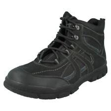 Scarpe e scarponi da montagna grigi senza marca