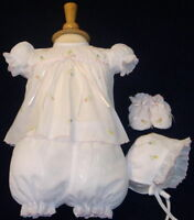 NWT Will'beth White Baby Girls 4pc Diaper Set Newborn Size 0 Bonnet & Booties
