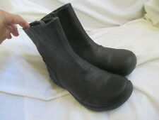 KEEN WOMENS BLACK LEATHER ZIP TOP ANKLE BOOTS,SIZE 6M