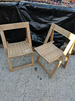 Pair vintage light wood folding chairs LB150919R