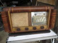 Ancien poste radio bois  vintage années 1960 ancienne radio lampe