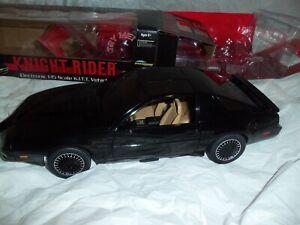 Knight Rider KITT Vehicle DIamond Select Toys DST 1/15 Model Car Toy (REVISED)