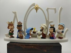 Peanuts 2014 LED Lighted Kurt S. Adler NOEL Nativity Scene Set Figurine PN5152