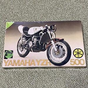 Prastic Modèle Yamaha YZR500 1/9 Echelle Protar Avec Suivi Mouvements