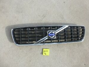 2001-2004 Volvo S60 OEM Front Grille Assembly    #034
