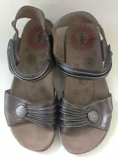 Taos womens Escape Pewter Strappy Silver Adjustable Comfort Sandal  Shoe size 9
