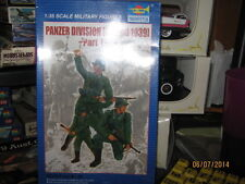 Trumpeter Panzedr Divison (Poland 1939) #1 Figures-1/35 Scale-Free Shipping