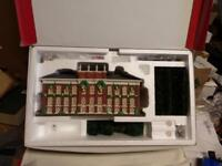 """KENSINGTON PALACE GIFT SET"" Dickens Village Series DEPT 56"