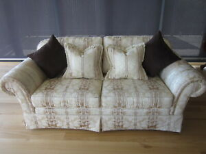 TWO MORAN X 2.5 SEATER SUPERBLY MADE SOFAS COUCHES LOUNGES EXCELLENT CONDITION