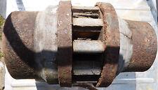 Alte Radnabe  -  Nabe  -  Wagenrad  -  13,6 kg  -  restaurierungsbedürftig