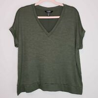 Banana Republic Luxespun T-Shirt V Neck Cuffed Sleeve Green Short Sleeve Small