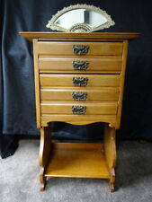 Walnut Victorian Victorian Chests of Drawers (1837-1901)