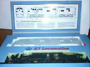 "Proto 2000 Limited Edition #21072 HO scale ""Undecorated"" E7"