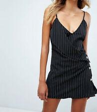 MISSGUIDED Tuta-Vestito a righe gessato con bottoni S Pinstripe Playsuit-dress