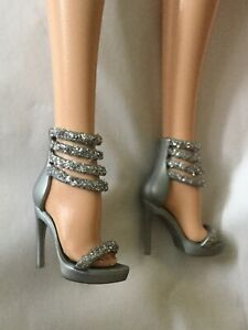 Barbie Model Muse Shoes Holiday Grey Silver Glittery Sandals OOAK