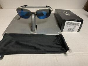 Oakley TAPER Light (Light Grey) Frames w/Ice Iridium Polarized Lens 4074-06