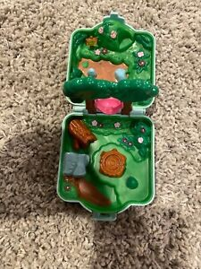 Nintendo Pokemon Tomy Polly Pocket Playset Visidian Forest Compact 1997