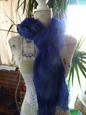 longue et grande écharpe bleue ===1m,95x1m couleur mixte