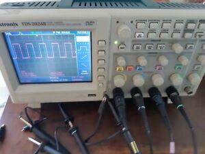 Oscilloscope tektronix TDS2014B