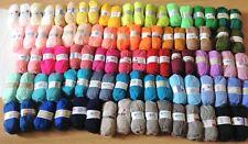 Lot de 100 Pelotes de laine acryliques couleur assorties   / marque française