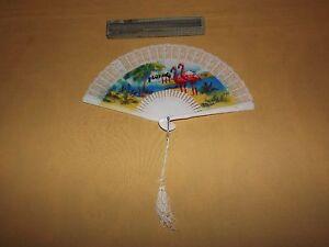 VINTAGE SOUVENIR  FLORIDA PLASTIC FLAMINGO HAND FAN